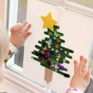 bambini-decorano-natale